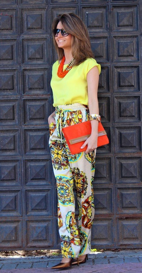 Stylish Bright Colored Outfit with Printed Pants