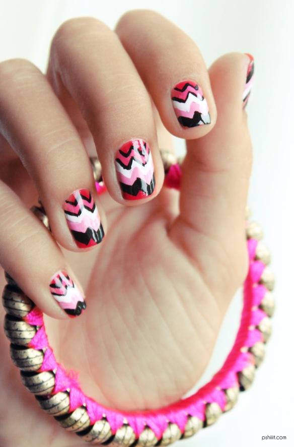 Stylish Chevron Nails