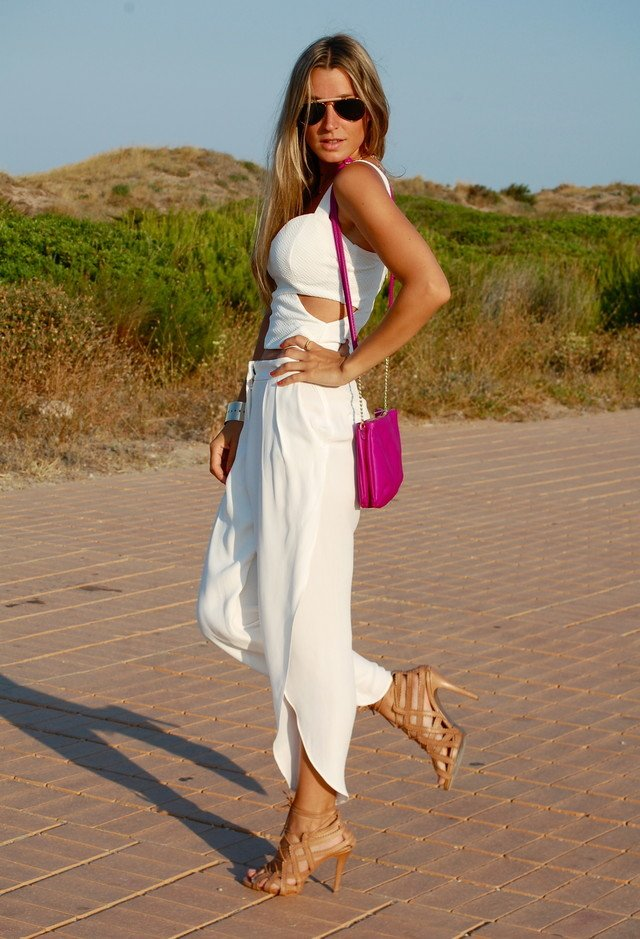 Stylish White Outfit Idea