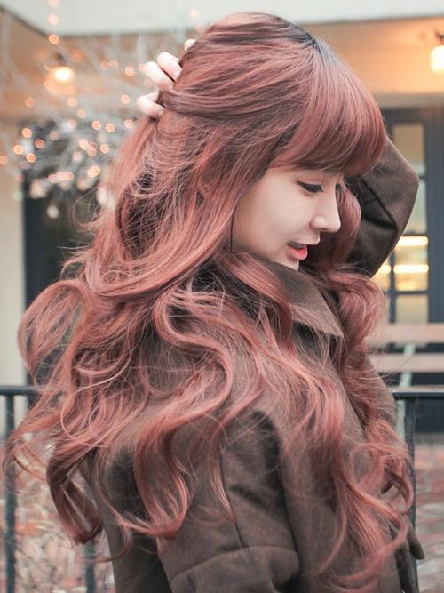 Sweet Auburn Wavy Hairstyle