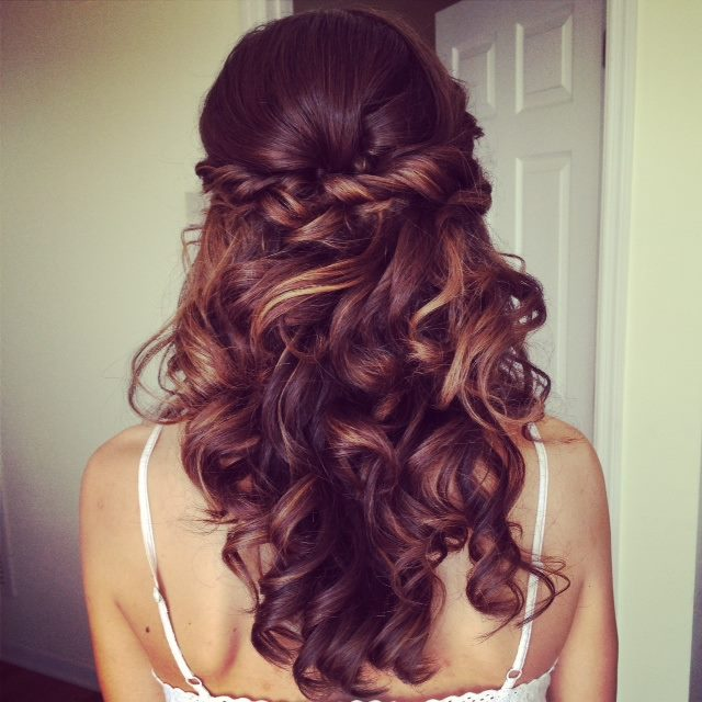 Twisted Curly Hairstyle for Bridals