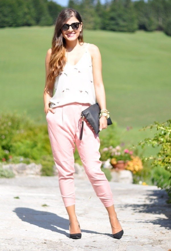 V-neck Top with Pink Baggy Pants for Summer