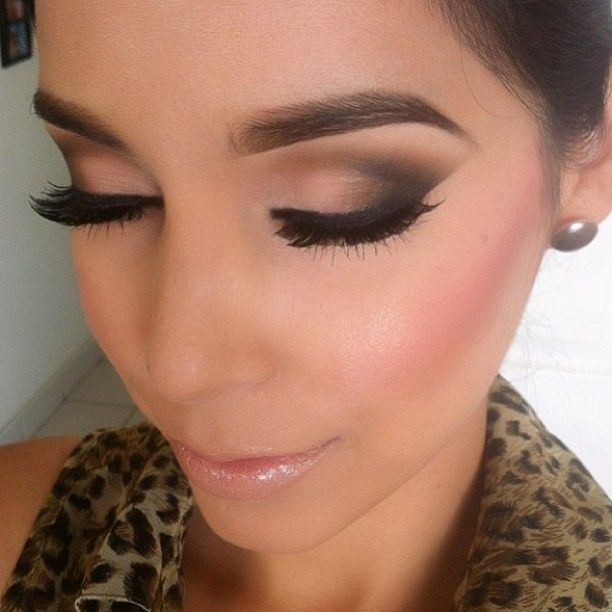 Winged Smokey Eye Makeup