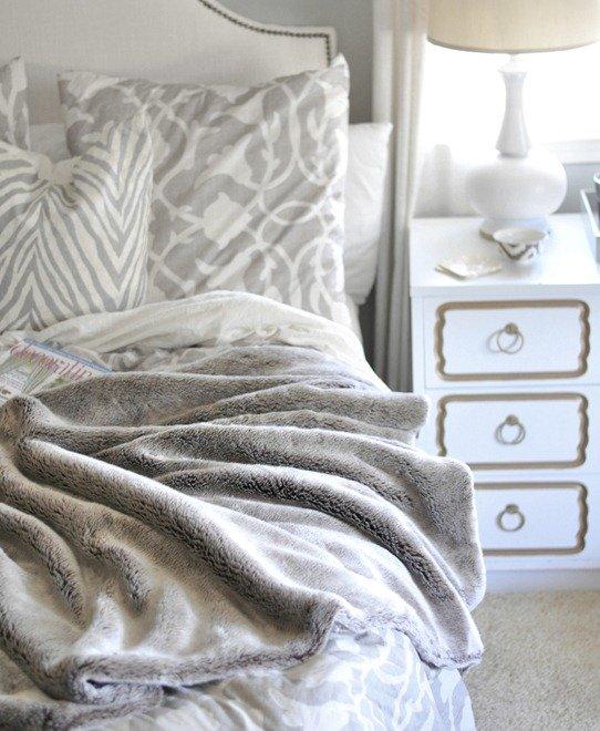 Winter Bedroom Comfy Vibe