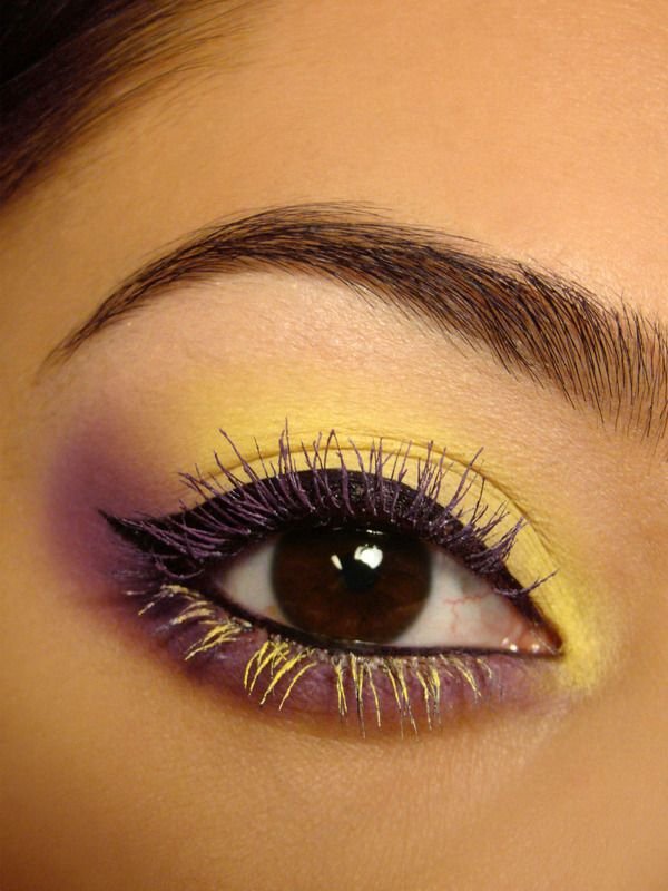 Yellow Colored Mascara Look