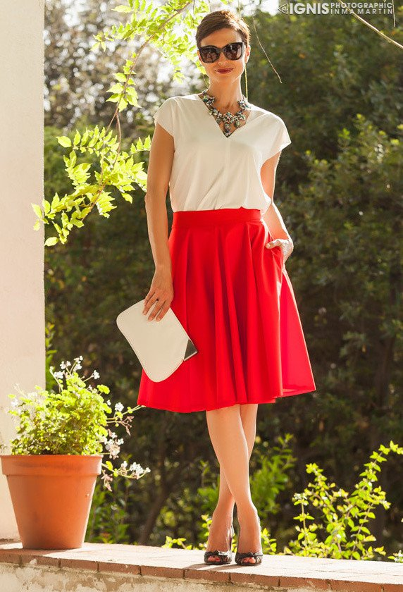 Beautiful Outfit Idea with Midi Skirt