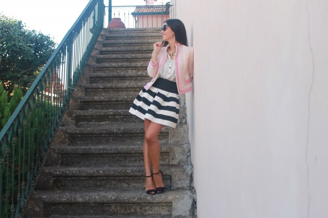 Black and White Stripe Skirt Outfit Idea