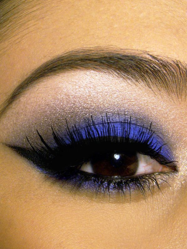 Blue Winged Smokey Eyes