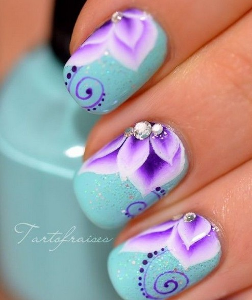 http://www.prettydesigns.com/wp-content/uploads/2014/08/Blue-and-Purple-Nails.jpg