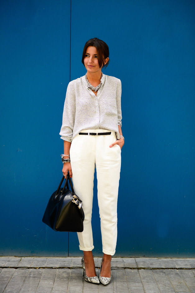 Chic Outfit Ideas with Printed Pumps for Work