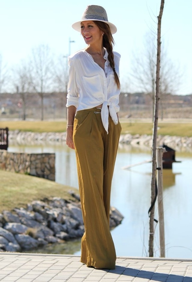 Chic White Blouse Outfit Idea for Early Fall