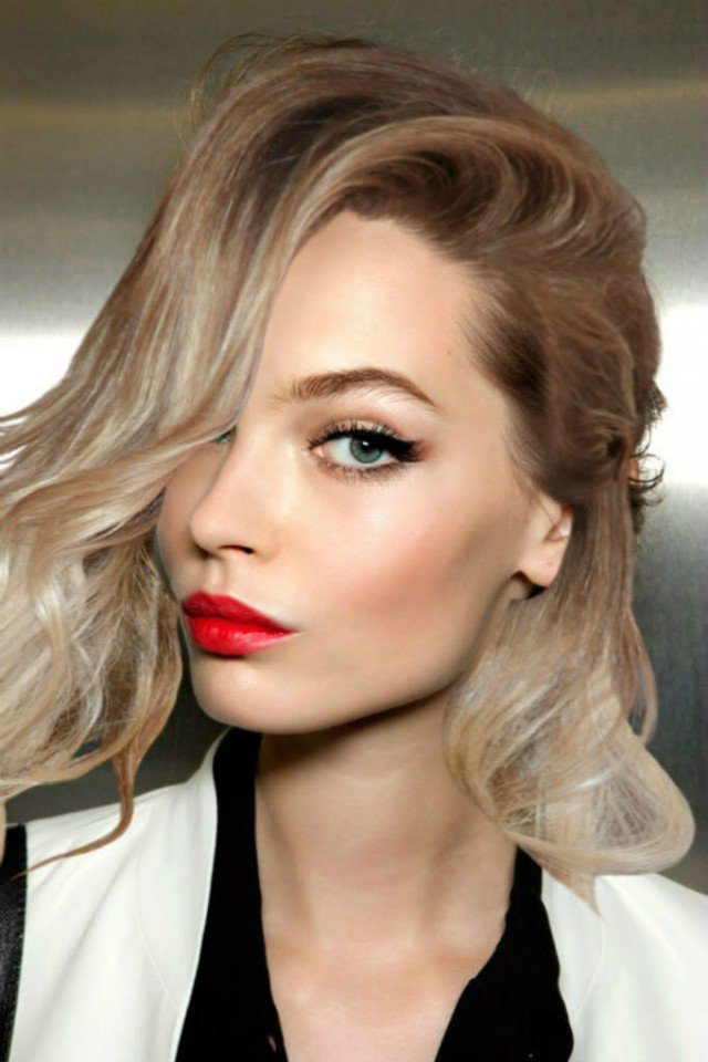 Cute Makeup Idea with Red Lips