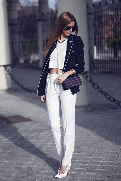 Fashionable Black and White Outfit Idea