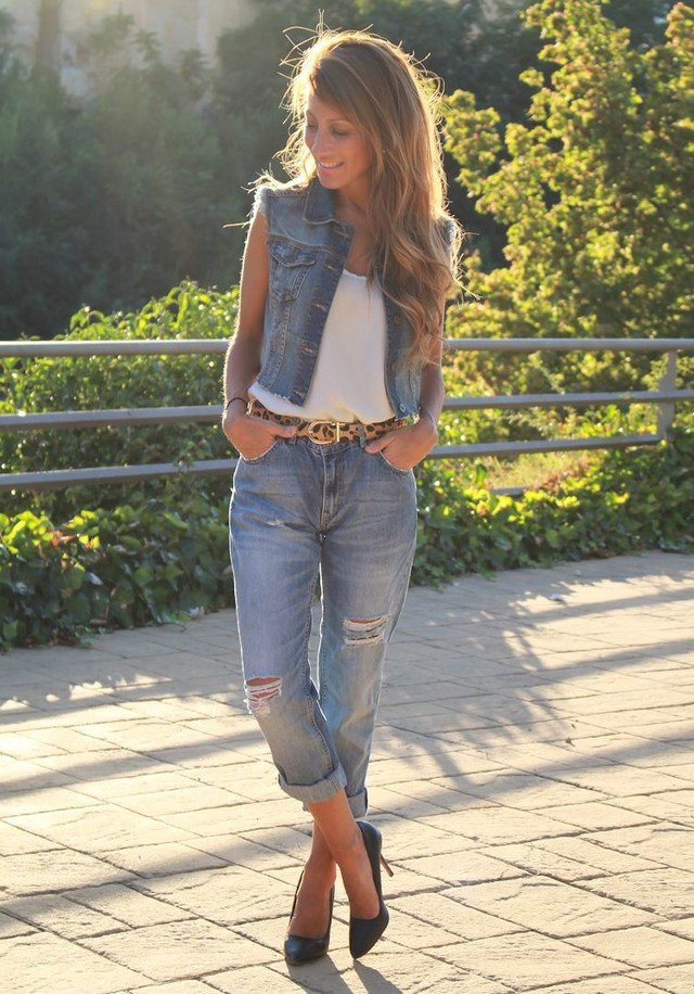Easy Outfit Ideas for Denim Vests Any type of denim clothing is a wardrobe staple. These never go out of style and will probably continue to be one of the cutest things to wear daily.