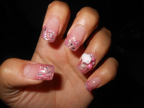 Glittering Pink Nails With Roses and Pearls