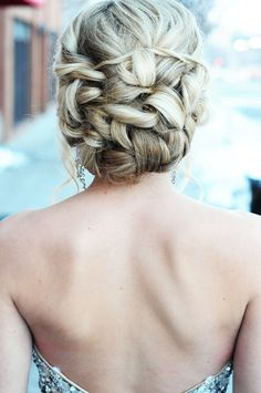 Gorgeous Updo for Prom Hairstyles