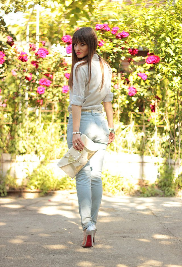 Jeans Outfit Idea with Silver High Heels