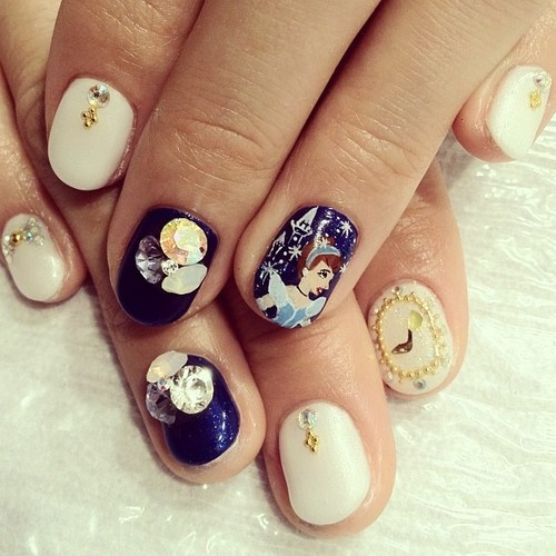 Cinderella Nail Art: Lovely Cartoon Themed Nails For The Week