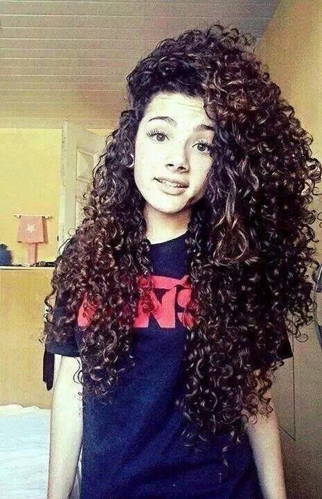 Lovely Long Curly Hairstyle