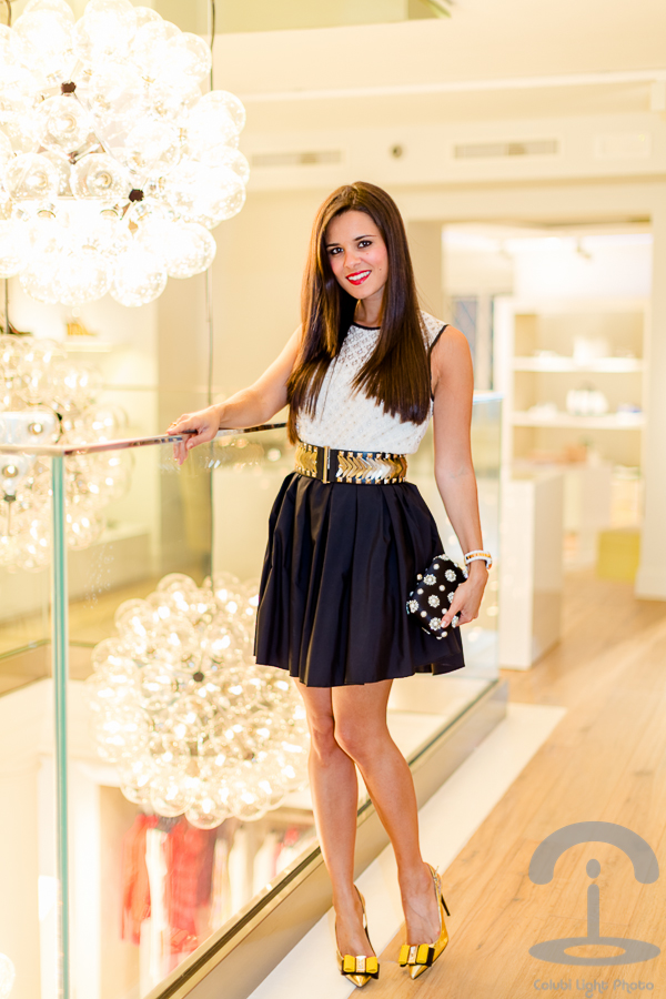 Lovely White and Black Outfit Idea