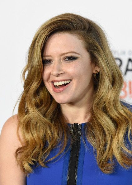 Natasha Lyonne Side-parted Long Curls