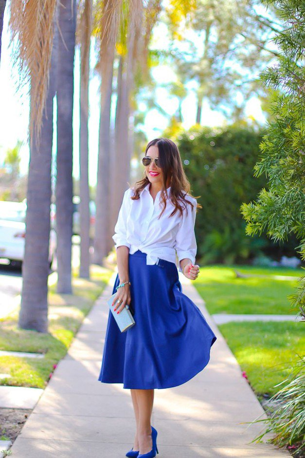 Navy Blue Midi Skirt Outfit Idea for Spring