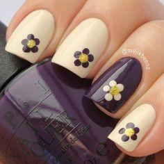 14 Pretty Daisy Nail Designs - Pretty Designs