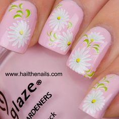 Pink Daisy Nail Design