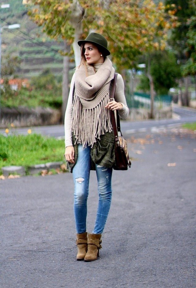 Pretty Fall 2014 Outfit Idea with Ripped Jeans