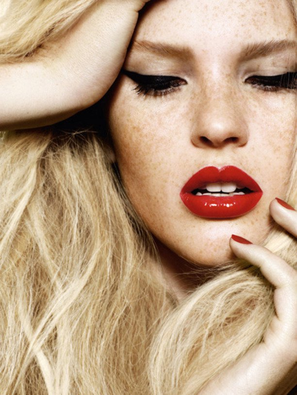 Gorgeous Makeup Ideas With Red Lips And Cat Eyes Pretty