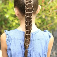 Pretty knotted Ponytail for Girls