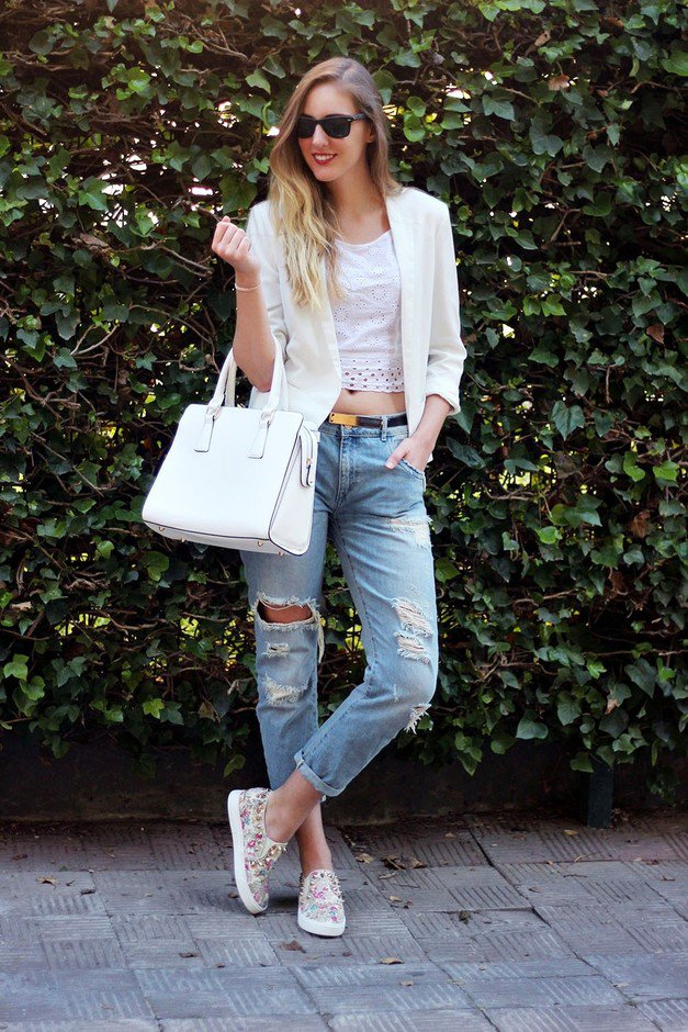 Ripped Jeans Outfit Idea with Blazer and Crop Top