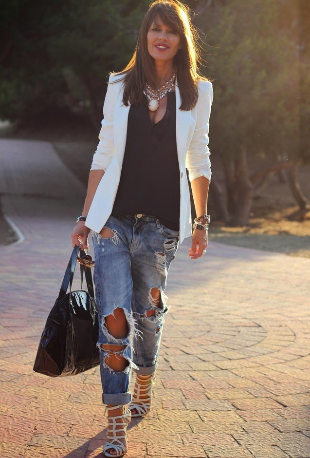 Ripped Jeans and White Blazer Outfit Idea