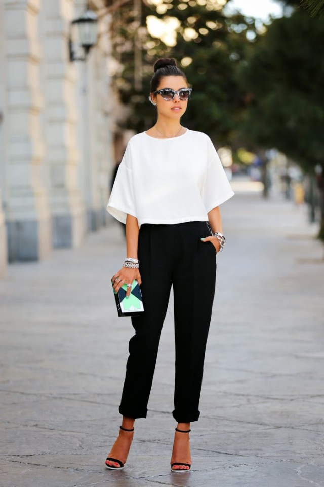 Simple Black and White Outfit Idea
