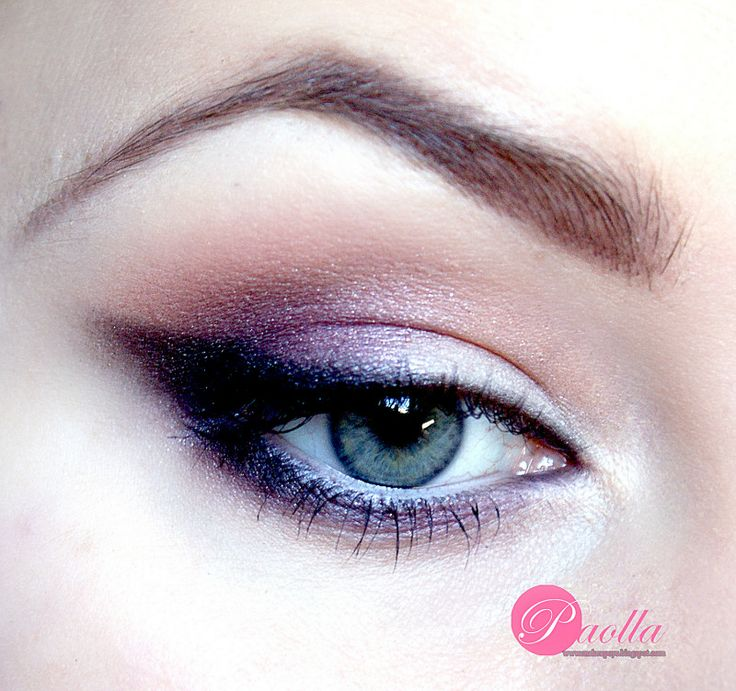 Sparkling Winged Smokey Eyes