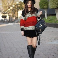 Stripes Sweater Outfit Idea with a Black Hat