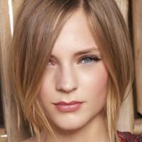 Beautiful Haircut for Mid-Length Hair