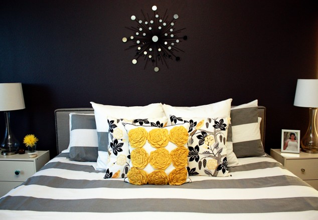 Black Wall with Glitter