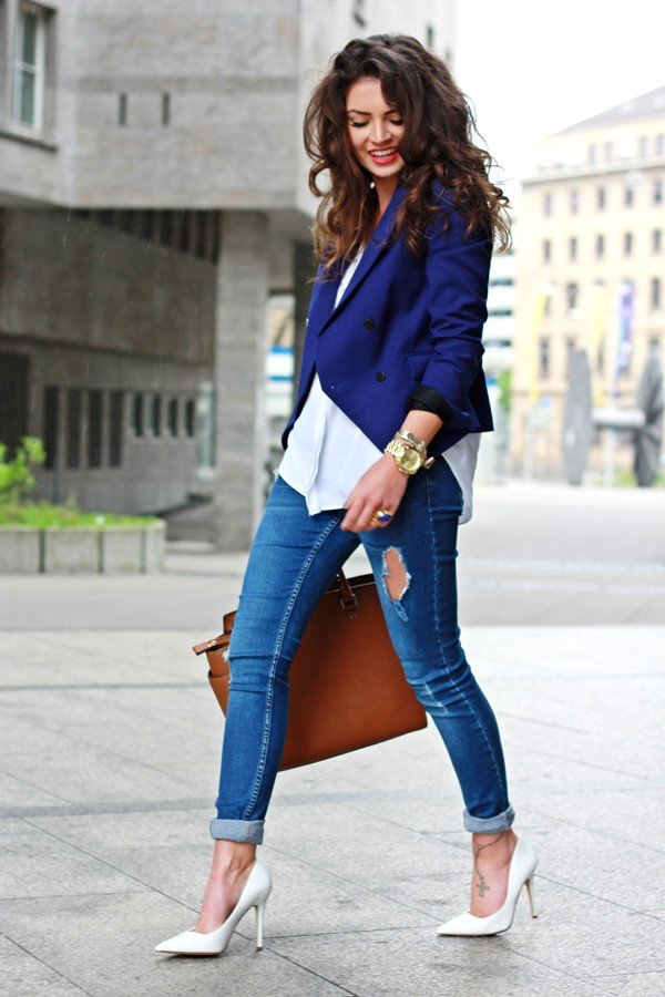 Blue Blazer Ripped Jeans and White Pumps