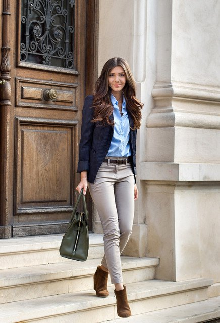 Trendy Work Outfit Ideas for Early Fall - Pretty Designs