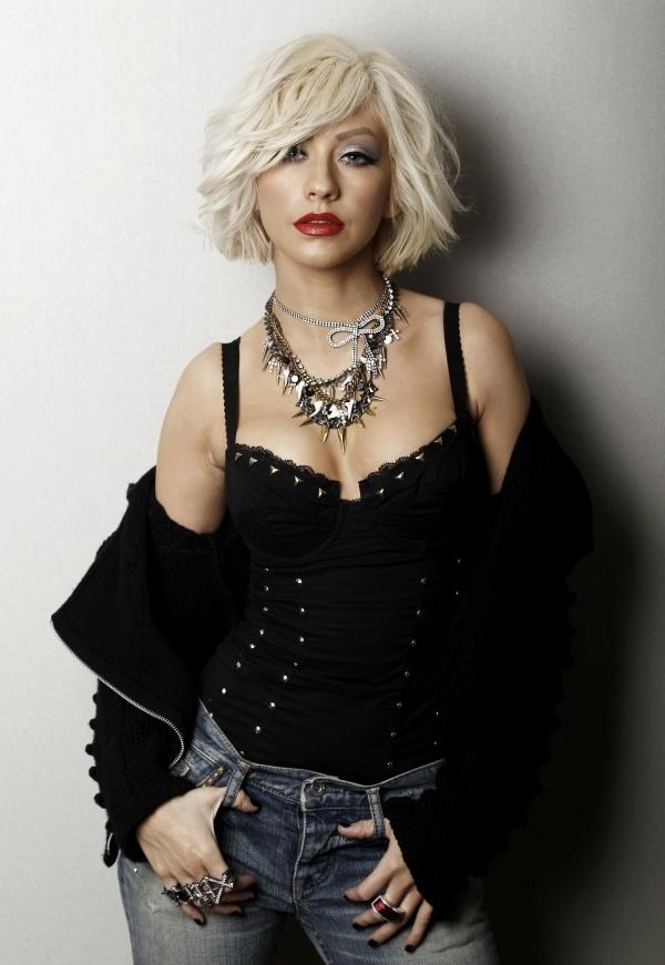 Curly Wavy Bob - Christina Aguilera Hairstyles