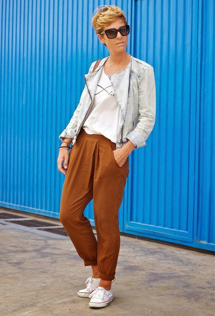 Edgy Brown Outfit Idea for Early Fall