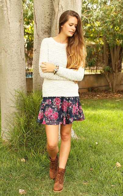 Fall Outfit Idea with White Sweater and Floral Skirt