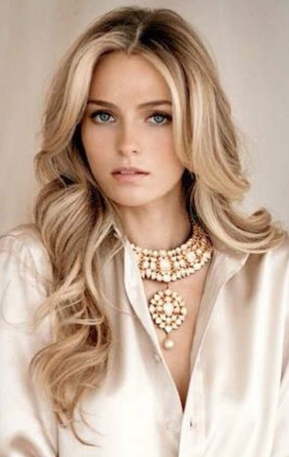 Gorgeous Long Blonde Wavy Hairstyle