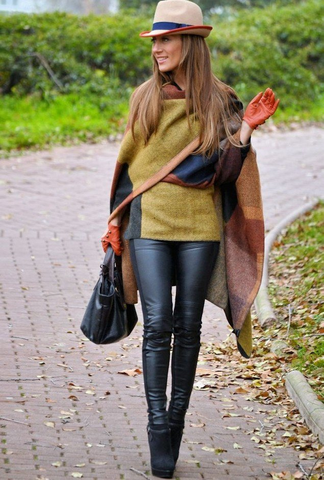 Gorgeous Poncho Outfit Idea for Fall