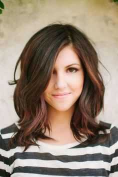 Great Medium Wavy Hairstyle for Long Faces