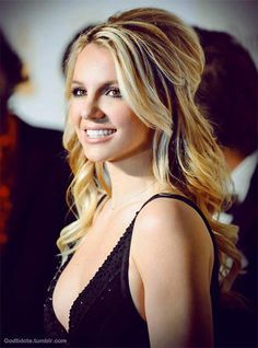 Half Up Hair for Britney Spears Hairstyles