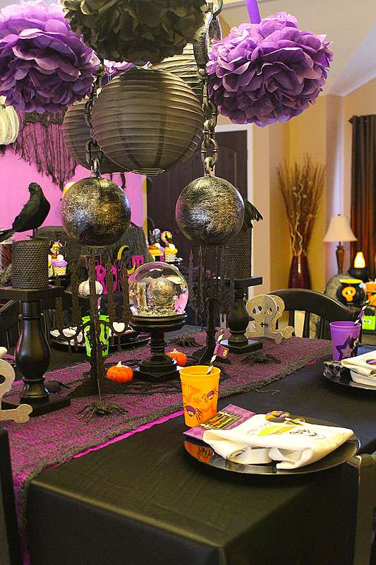 Halloween Table with Stylish Lamps