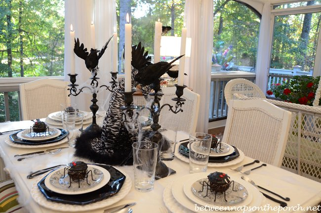 Hoalloween Table with Fake Spiders