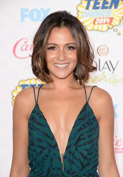 Italia Ricci Pretty Short Wavy Hairstyle